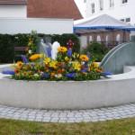 Der vom Gartenbauverein Ettringen geschmückte Brunnen