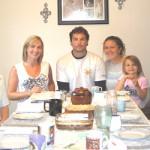 v.l.: Hans Gut, Hertha Gut, Enkelin Lina, Enkel Peter mit Frau Melissa und Tochter Aubrie, Sohn Wolfgang mit Frau Joanne