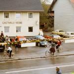 Maibaumaufstellen in den 70ern