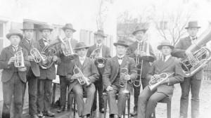 Blasmusik in Ettringen, früher und heute: Die Blaskapelle feiert heuer ihr 100-jähriges Bestehen. Ein Bild aus dem Gründungsjahr 1912 ... Foto: Verein