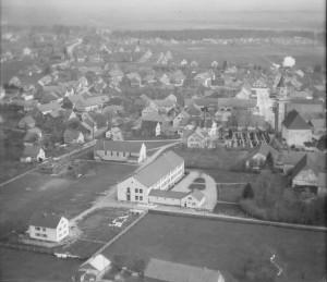 Rektorhaus mit Schule 1957