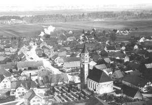 Friedhof und Hauptstraße 1957