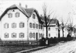 """Anwesen """"Rasso"""" Schmid (Augsburger Straße 16) um 1900"""