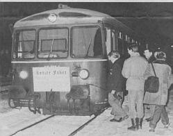 Der letzte Zug verlässt den Türkheimer Bahnhof in Richtung Ettringen 1987