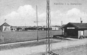Baracken gegenüber dem Bahnhof für die Kriegsgefangenen