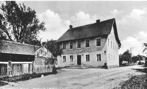 """Gasthaus """"Zum Kreuz"""" um 1900"""