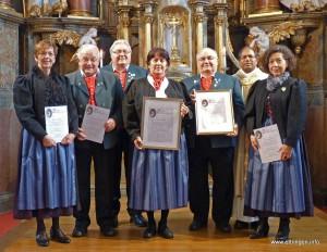 Groß war die Freude bei den Geehrten (v.l.n.r.): Doris Wucherer (30 Jahre), Rudolf Kaltenmaier (20 Jahre), Maria Baur (50 Jahre), Hartmuth Schmidt (50 Jahre) und Stefanie Lang (25 Jahre).