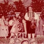 v.l. Rindle Johann (Schlosser Hansl), Thomas Elisabeth geb. Kornes tanzt mit Rindle Marianne geb. Brenner, Mayer Marinanne (älteste Tochter vom Mayer- Maler) Fehle Walter, Henle Christl geb. Blochum, Metzger Anneliese geb. Keller