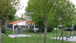 Für 1,5 Millionen Euro wird der Kindergarten in Ettringen dieses Jahr zu einer sechsgruppigen Kindertagesstätte ausgebaut. Foto: Reinhard Stegen