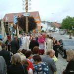 Empfang von Bischof Dr. Walter Mixa auf dem Kirchplatz. Bild: Hartmuth Schmidt