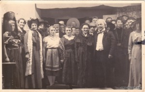 vl.:  ? , Müller Anni, Lang Peppi, Maria Rindle, Kornes Mina, Kornes Babett, Fehle Maria, Rindle Alois, Fehle Sebastian, Erhard Hilde