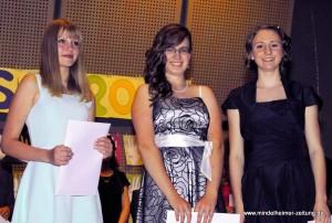 Die drei Besten der neunten Klasse: Franziska Pfluger, Rebecca Lutzenberger und Ramona Högg (von links).