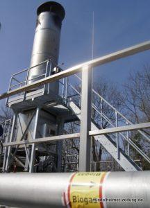 Angeblich rund 100000 Kubikmeter Biogas fallen pro Jahr bei Aviretta an, davon sollen im vergangenen Jahr gut 80 Prozent in dieser Fackel nutzlos verbrannt worden sein. Jetzt hat das Unternehmen nach eigener Aussage die Probleme im Griff.