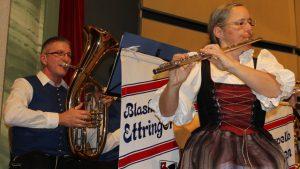 Gemeinsam musizieren in der Blaskapelle Ettringen macht einfach Spaß – das zeigten die Musikerinnen und Musiker wieder eindrucksvoll beim Jahreskonzert.