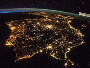 Spanien und Portugal sind durch die starke Beleuchtung auch nachts aus Sicht der Internationalen Raumstation ISS gut zu erkennen.NASA
