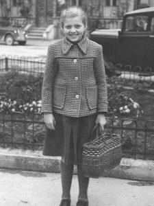 MINDELHEIMER ZEITUNG. Helene Steidele in jungen Jahren. Das Foto entstand 1949.